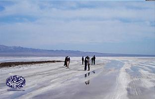 دریاچه-نمک-حوض-سلطان-تهران-شناسی